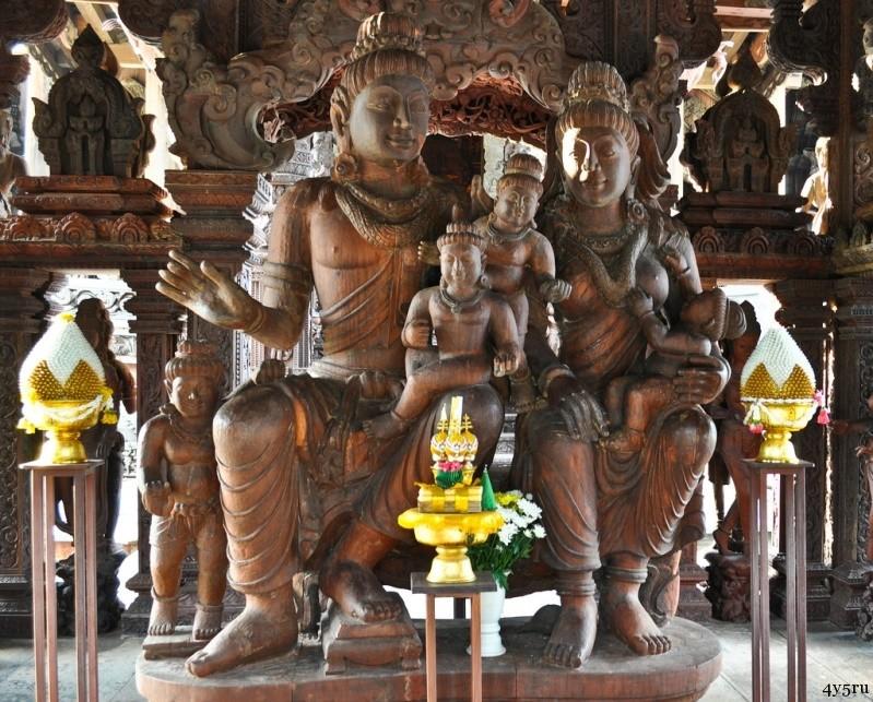 храм истины в таиланде