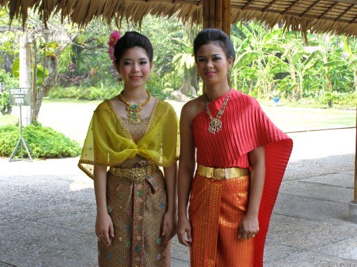 тайиские костюмы