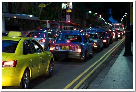 Такси в городе не поймать
