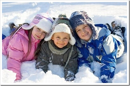 Зимняя одежда до 5 лет: комбинезон – оптимальный вариант